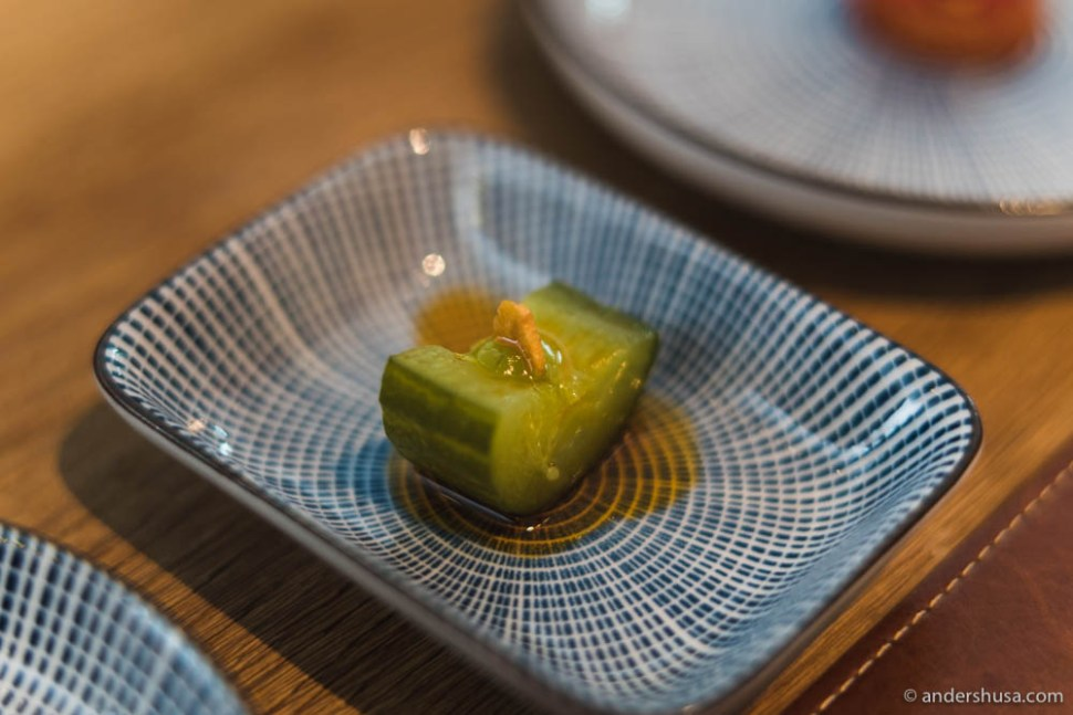 Shanghai cucumber with garlic crisp