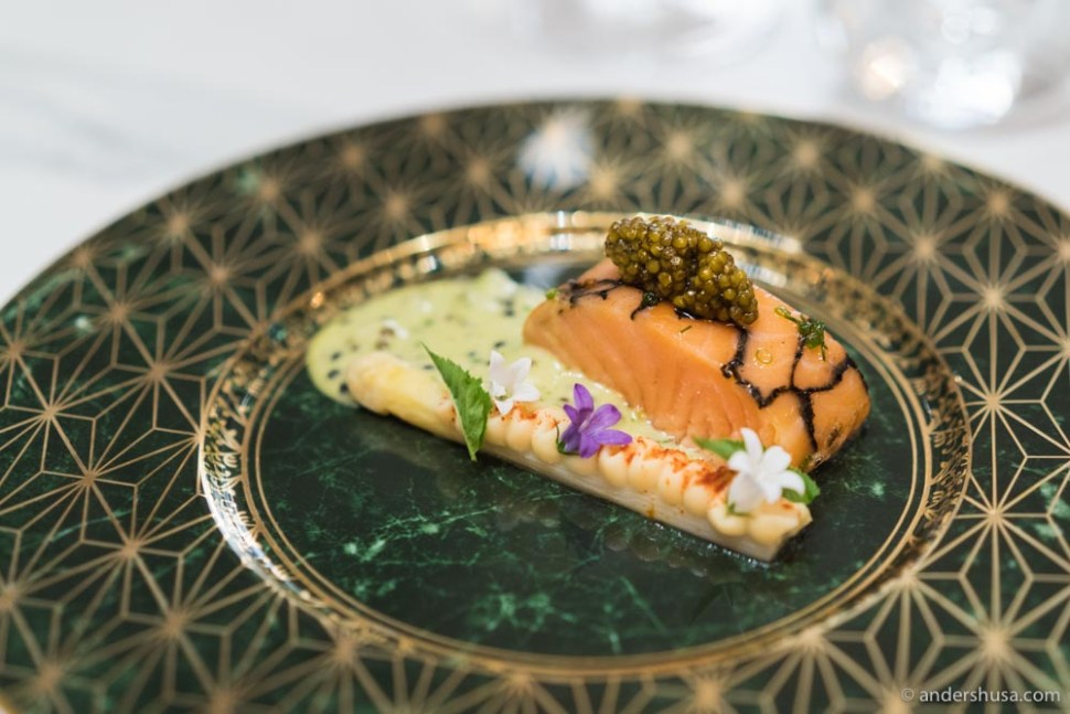 Cured Aurora salmon, mussel sauce with chives and chervil, white asparagus, celeriac cream, and caviar.