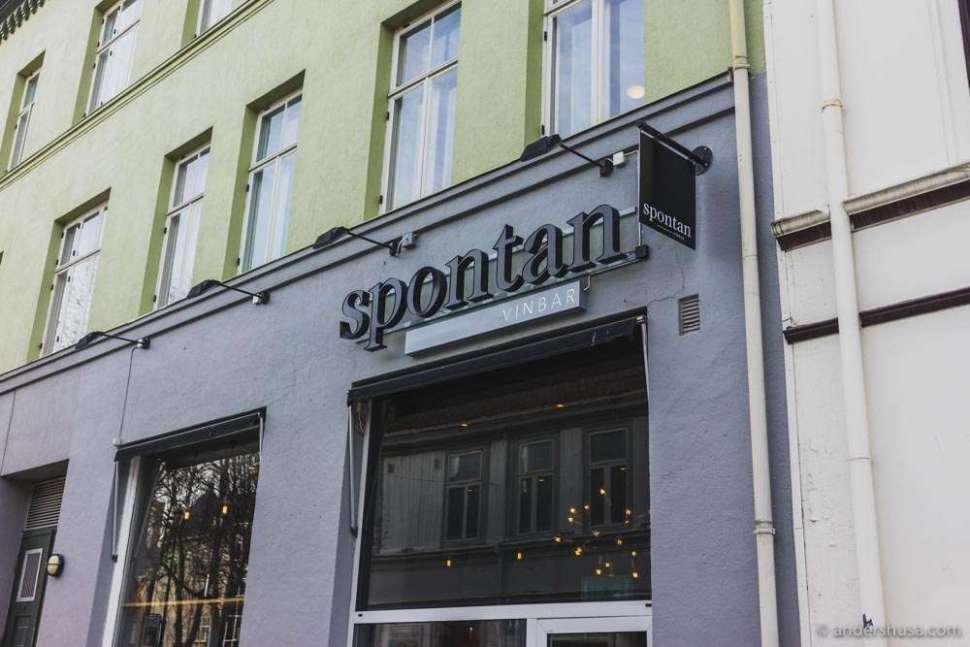 Spontan Vinbar is located on Dronningens gate 26 in Trondheim.