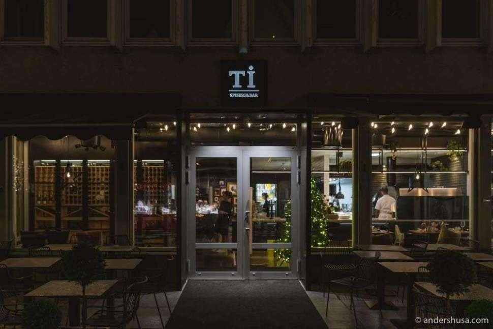 Ti Spiseri & Bar about to shift into night mode.