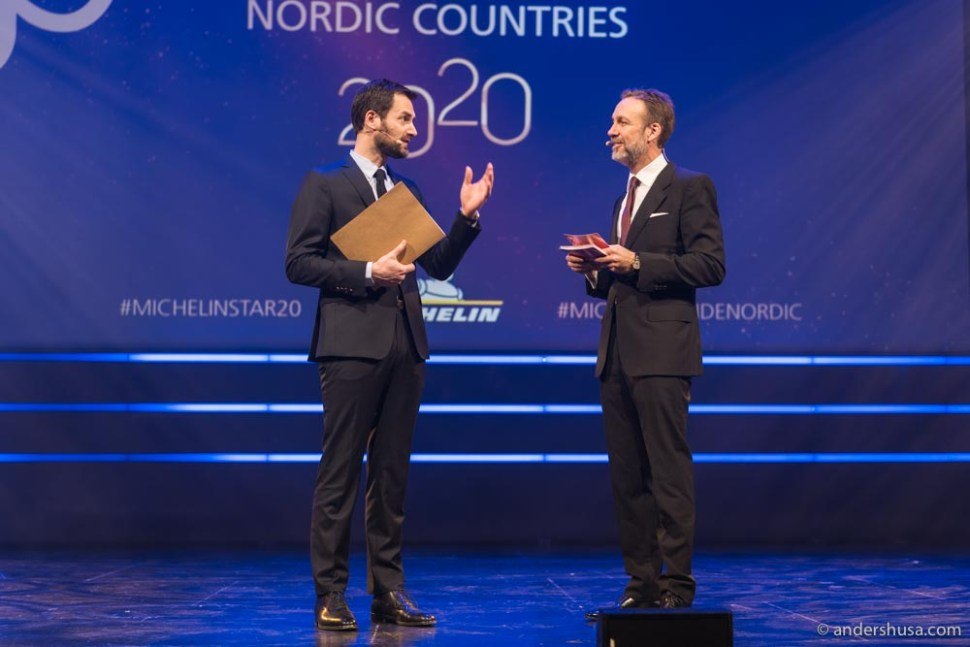 The international director of the Michelin Guide, Gwendal Poullennec, on stage with the host in Olavshallen, Thomas Giertsen.