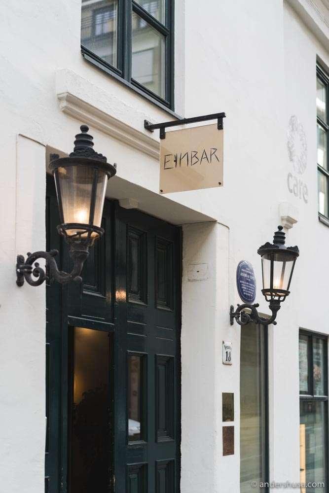Underneath restaurant Einer is Einbar, their natural wine bar.