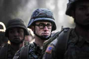 """""""SNOWDEN"""" HITS THEATERS ON CHRISTMAS DAY. CHECK OUT THE TEASER TRAILER. 19"""