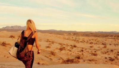 IT STAINS THE SANDS RED 9
