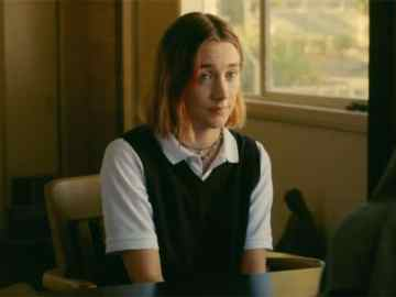 Focus Features Acquires International Rights to LADY BIRD 42