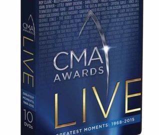 CMA AWARDS LIVE: GREATEST MOMENTS 1968-2015 30