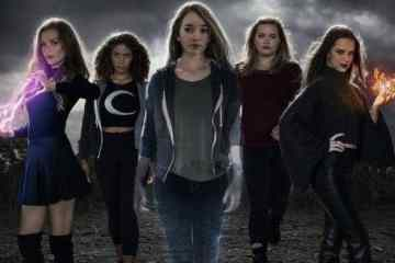 The Witch Files brings together young women and witchcraft for the 1900th time. 19