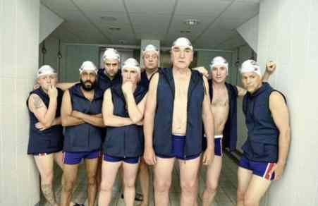 Swimming with Men 18