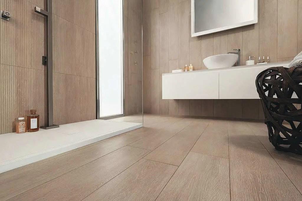 Piastrelle pavimento bagno effetto legno bagno con pavimento