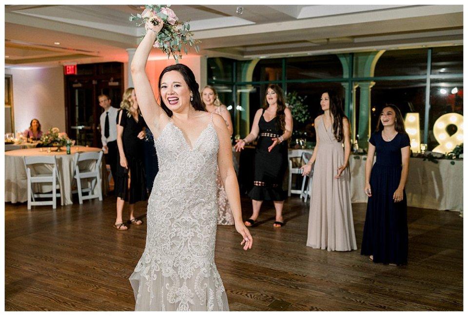 Bridal bouquet toss