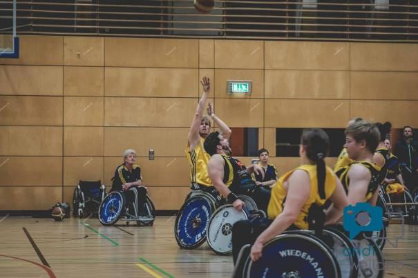 Eine Szene aus dem Rollstuhlbasketball-Spiel Alba Berlin Rollis gegen Hannover United