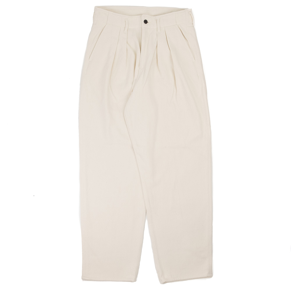 Kuro Loose Denim Two Tuck Wide Trousers - Off White
