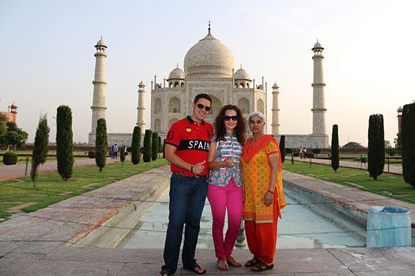 Taj Mahal con una India