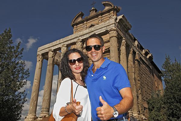 Templo Antonio y Faustina