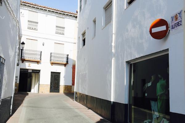 Calle Alferez
