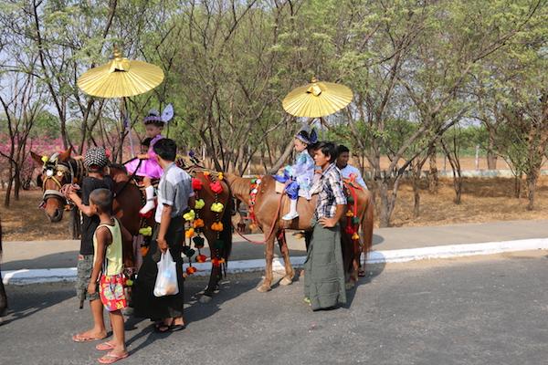 Niños Birmanos-Andorreando por el Mundo