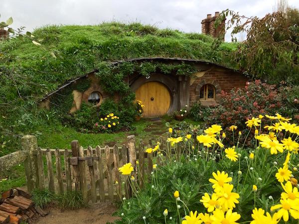 Agujeros Hobbit-Andorreando por el Mundo