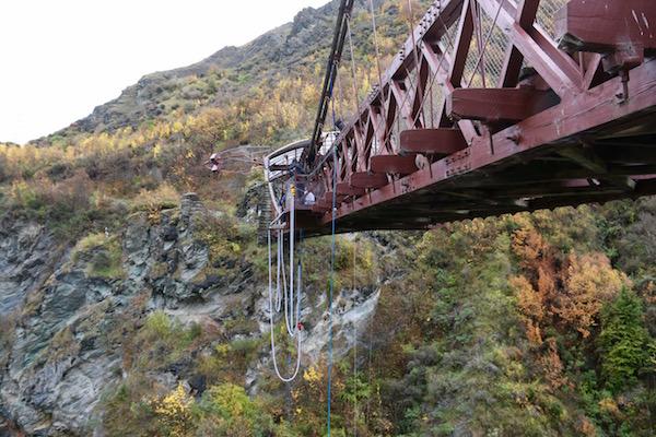 Puente Kawarau-Andorreando por el Mundo