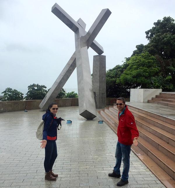 Monumento Cruz Caída