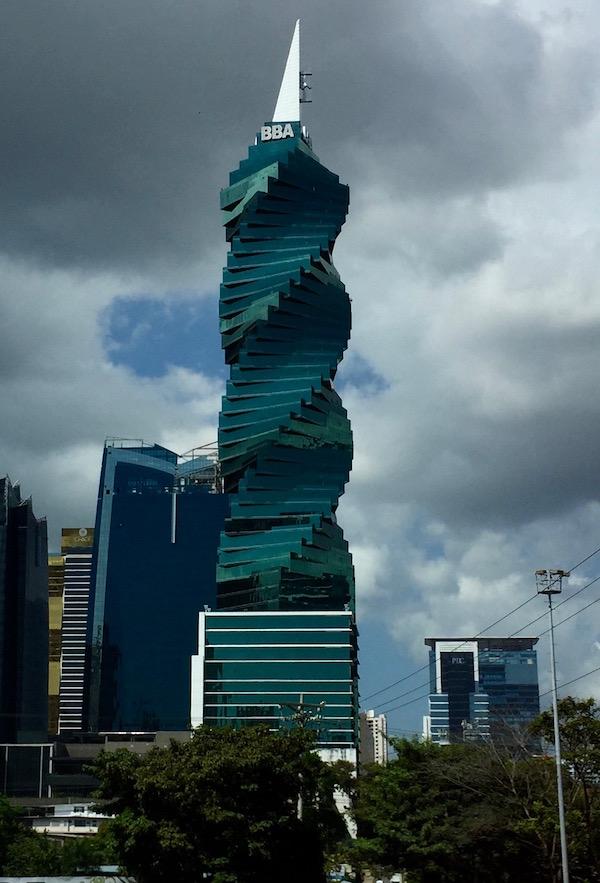 El Edificio Revolución