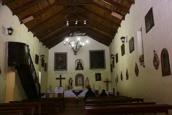 Interior Iglesia Rosa Lima