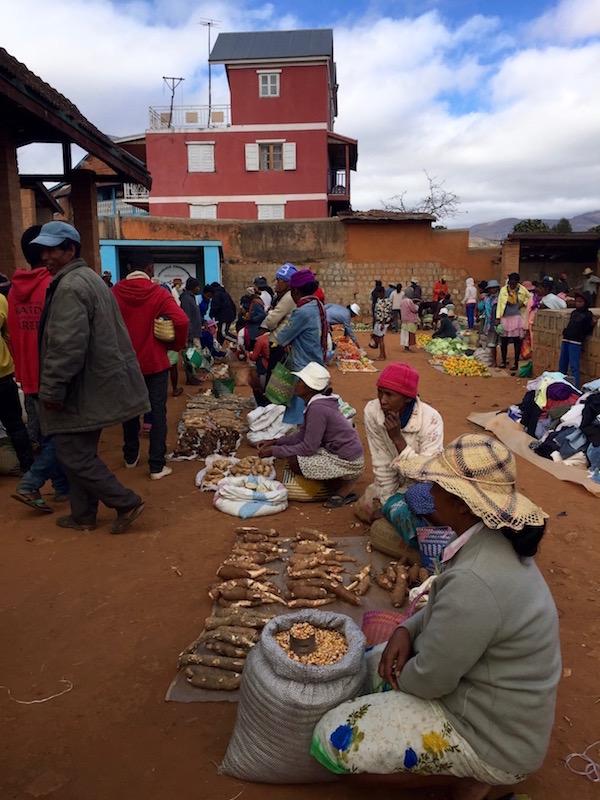 Mercado Manandona.