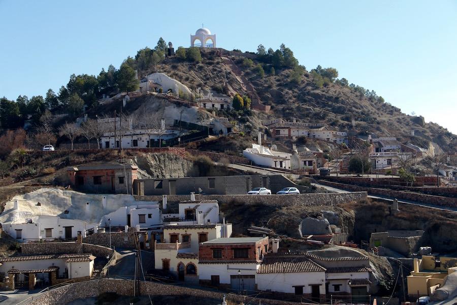 Barrio Cuevas, Terque
