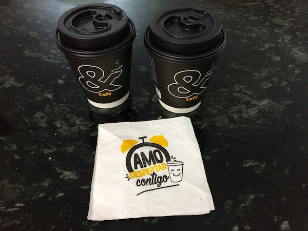 Cafetería Llévate el sabor de Guatemala, cafés con leche.