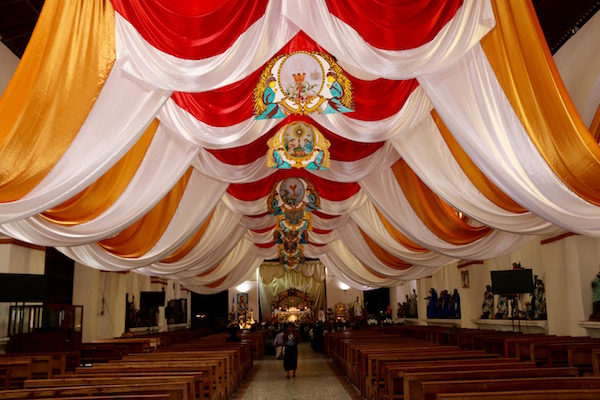 Interior Iglesia Parroquial Santiago Apóstol.