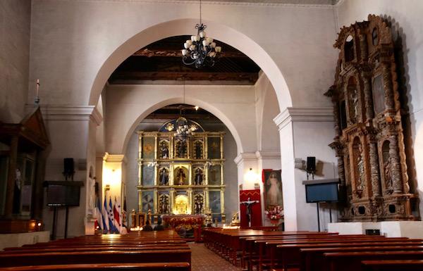 Interior Parroquia San Francisco de Asís.