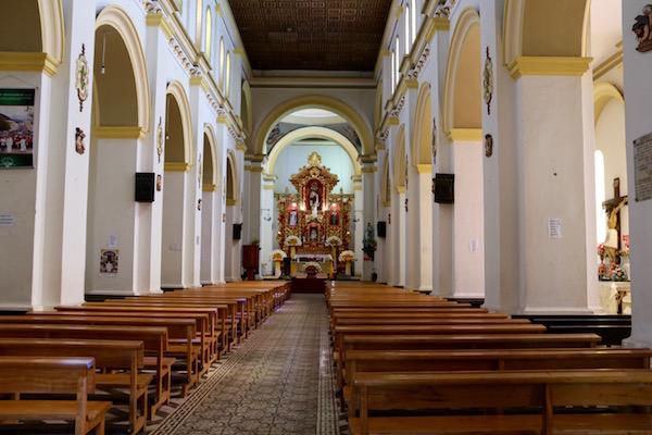 Interior iglesia Matriz, Cotacachi.