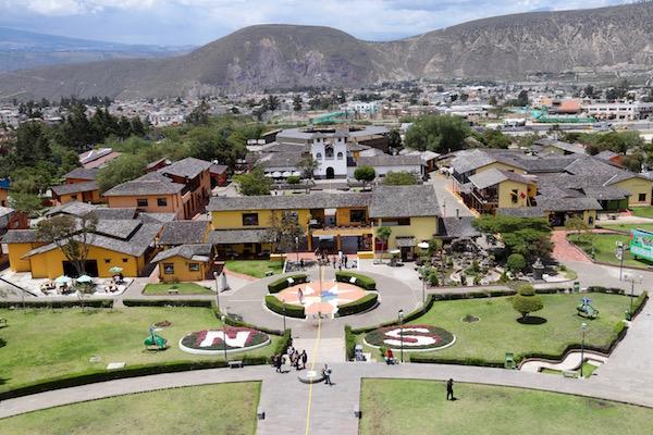 Villa Colonial, Mitad del Mundo.