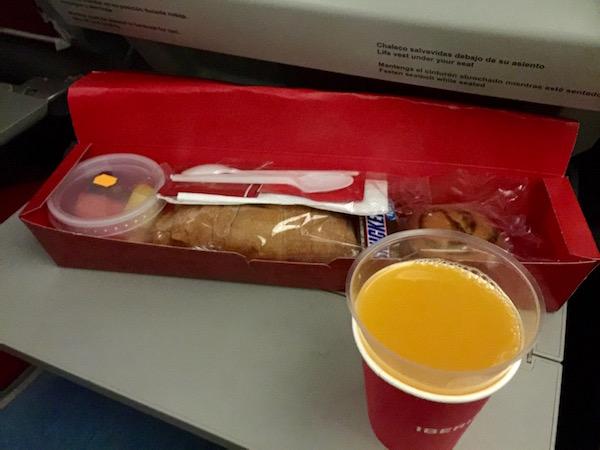 Cena avión Iberia.