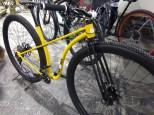 Fahrrad mit sehr großen Laufrädern
