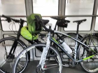 Verwackelt im Transportwaggon. Zug 3: Hof nach München