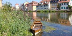 Boot auf der Regnitz, Bamberg im Hintergrund