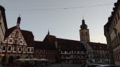 Marktplatz mit Fachwerkhäusern