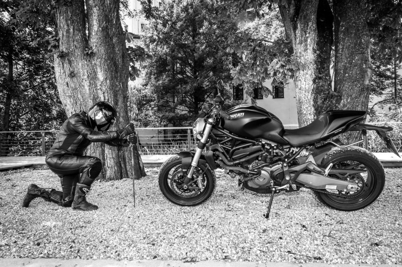 Ducati-Monster-Shooting-12