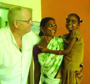 Durga, 12 ans : nous venons de la transfuser, sous ARV et traitée pour une tuberculose, suivie par sa grand-mère.