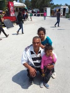 Said a tenu à poser devant le camp de Karatepe avec ses enfants, honneur et fierté de bien présenter, il était au bord des larmes en me parlant. Ou au bord de l'explosion ?