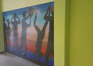 Wandmosaik im Eingangsbereich der Kooperationsschule.