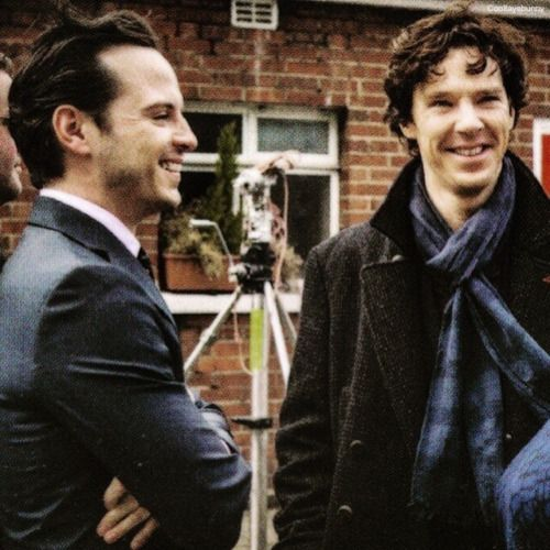 """Andrew Scott (Moriarty) and Benedict Cumberbatch (Holmes) on the set of """"Sherlock"""""""