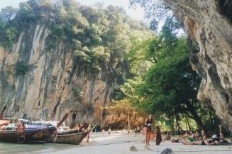 Pantai di pulau lain yang berdekatan dengan Koh Hong