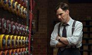 Benedict Cumberbatch nei panni del matematico e crittoanalista Alan Turing.