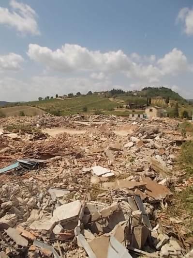 radda, distruzione fabbrica laca (18)