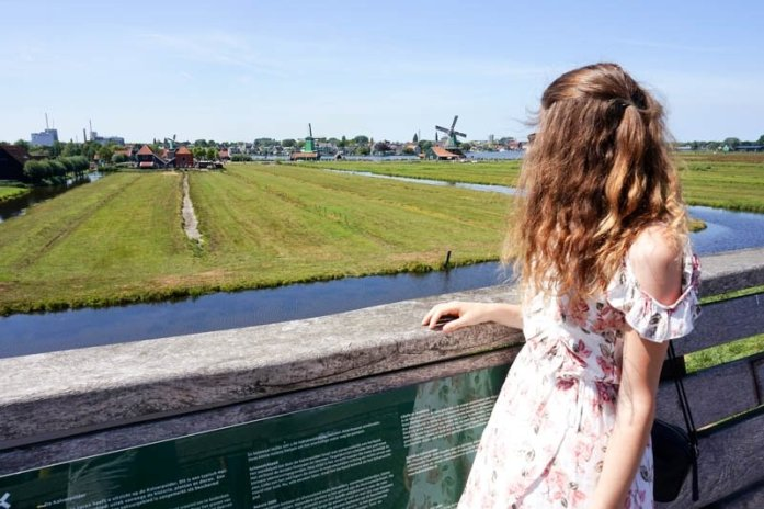 Taking a day trip from Amsterdam to Zaanse Schans in the Netherlands