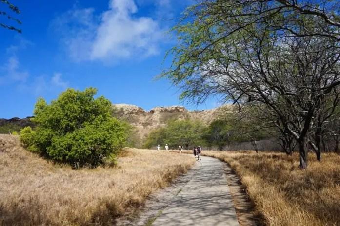 Guide to Hiking Diamond Head Mountain in Honolulu, Hawaii