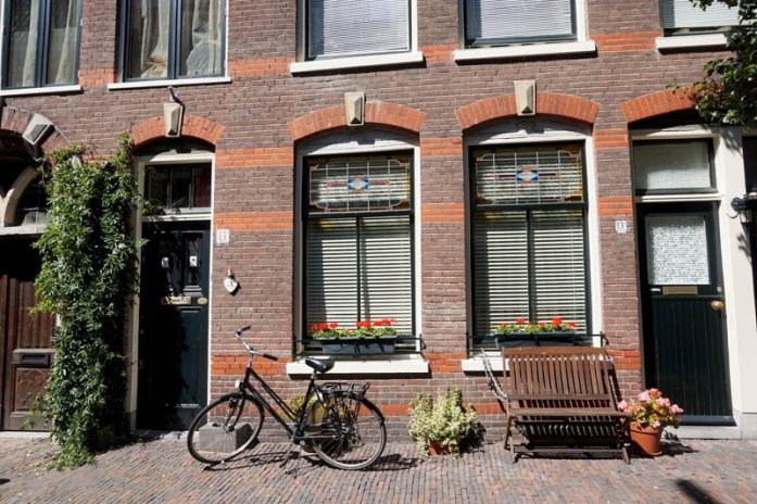 Haarlem Netherlands Travel Guide | Amsterdam travel guide | Netherlands day trip #europetravelguide #europetraveltips #netherlands #haarlem #corrietenboom