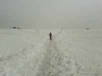 Silvia l'alpinista solitaria sulla traccia