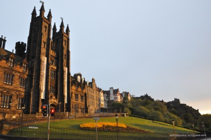 Another picture from the Scotland Sunset! This intersection had fabulous landscaping, architecture, and statues.
